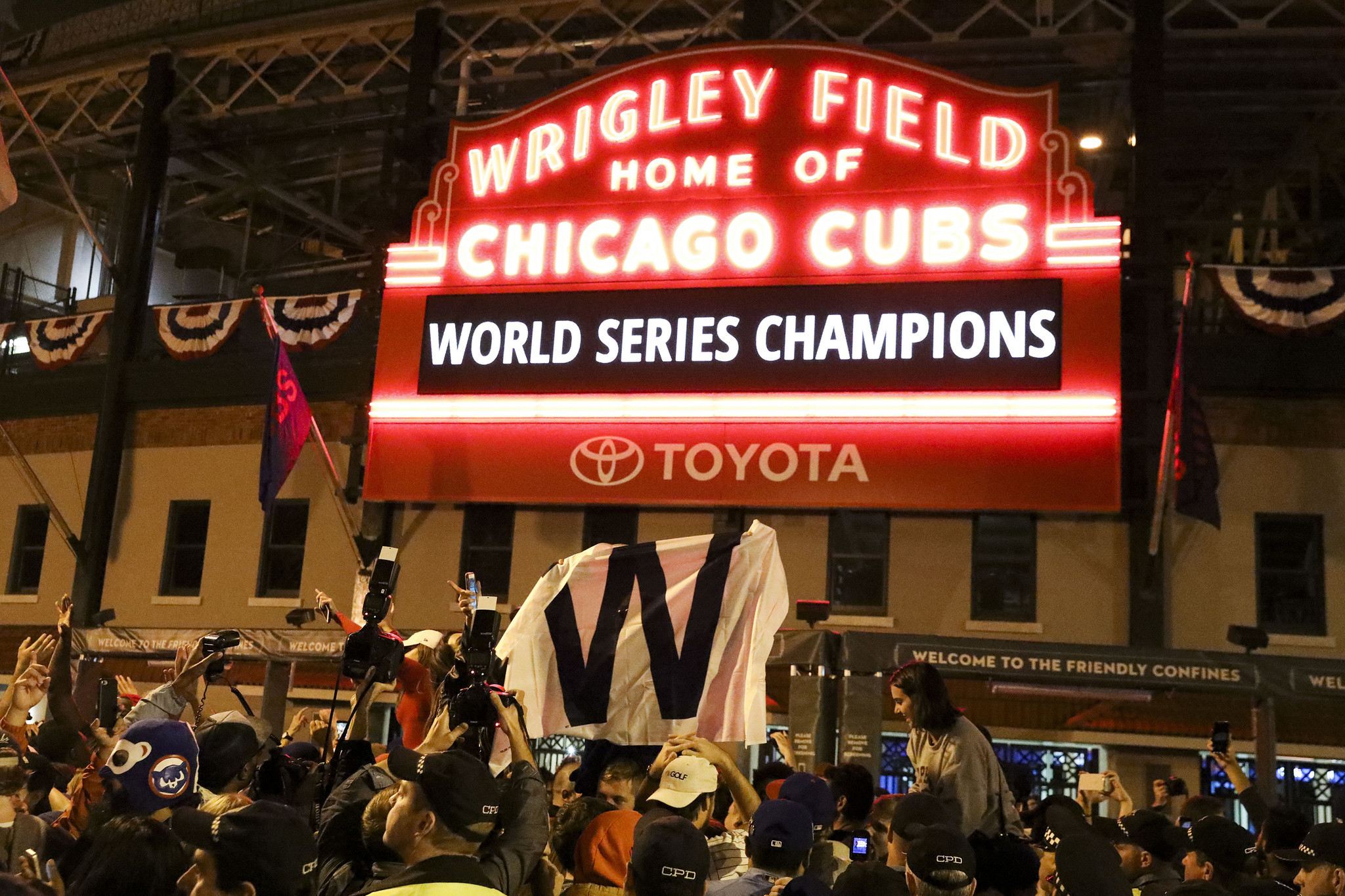 ct-cubs-game-7-world-series-tv-ratings-2
