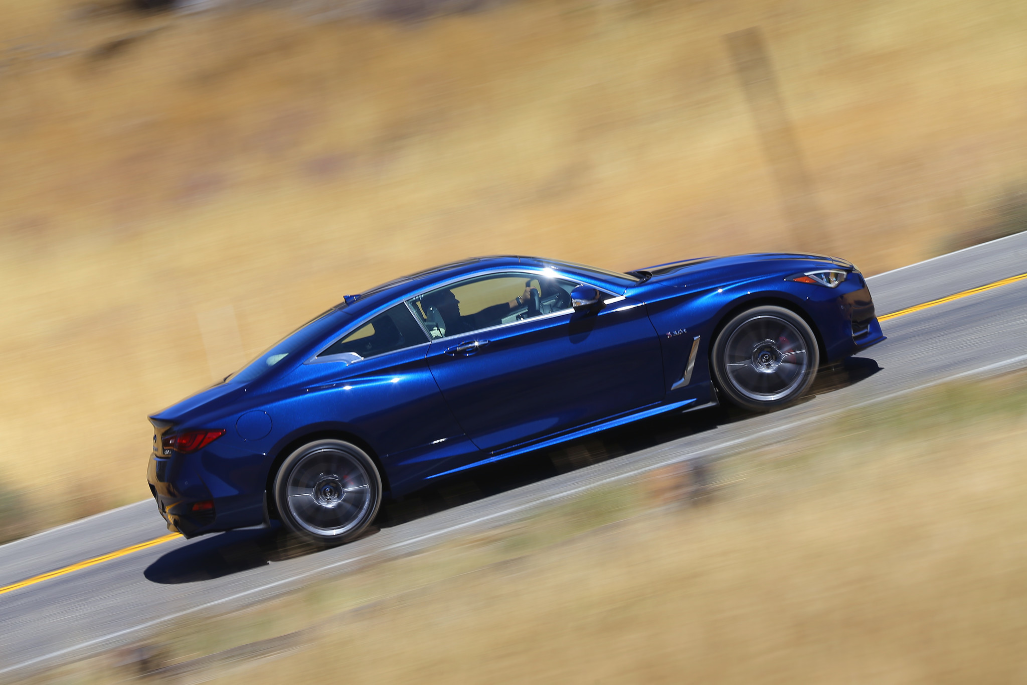 2017 Infiniti Q60 Coupe blends performance with fort Chicago