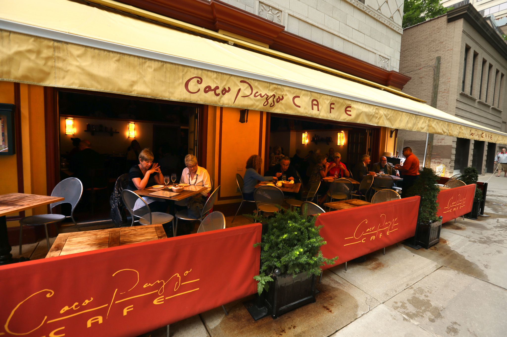 Coco Pazzo Cafe To Move After 20 Years On St Clair Street Chicago Tribune