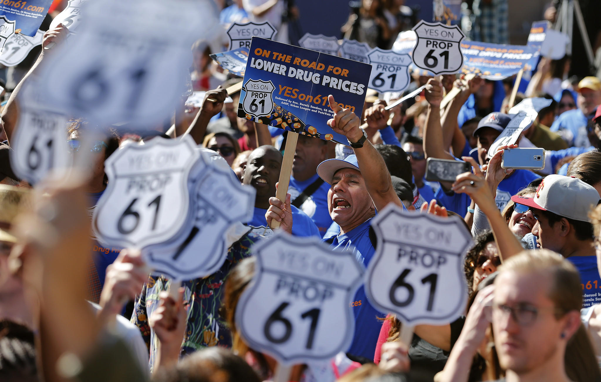 About 200 people attend the Bernie Sanders rally in Los Angeles. (Mel Melcon / Los Angeles Times)