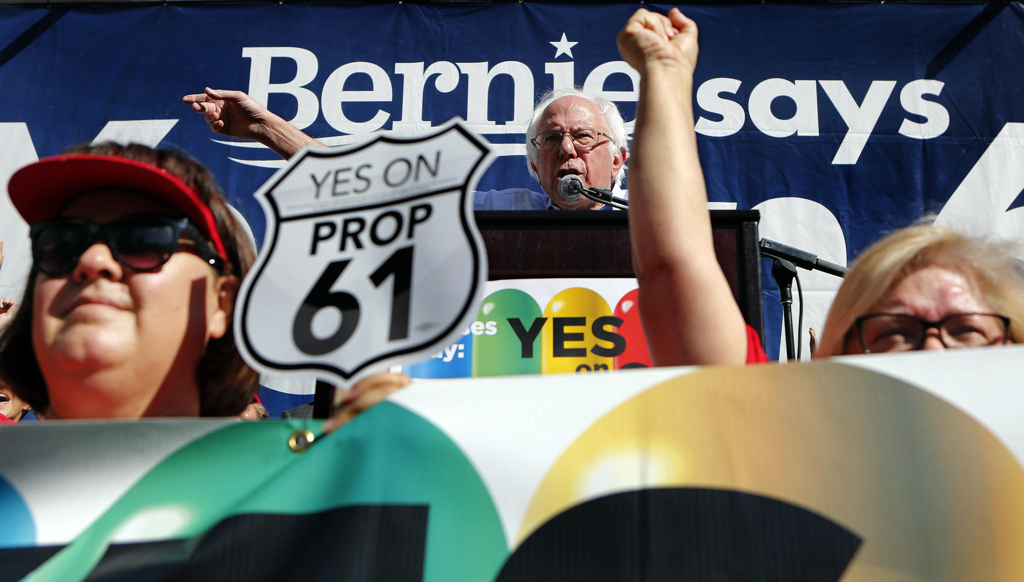 Sen. Bernie Sanders urges a crowd in Los Angeles to support Proposition 61, a ballot measure on prescription drug pricing. (Mel Melcon / Los Angeles Times)