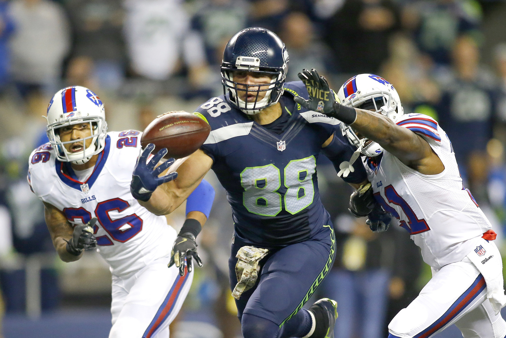 Pair of Jimmy Graham one handed TD catches helps Seahawks to win