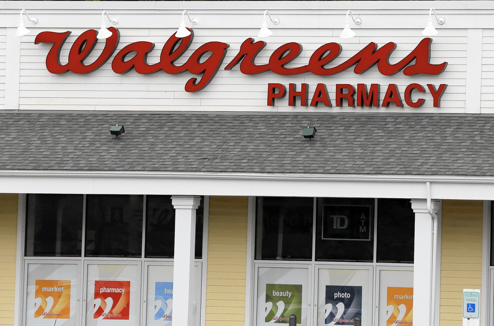 walgreens prescription partnerships sting competitor cvs chicago