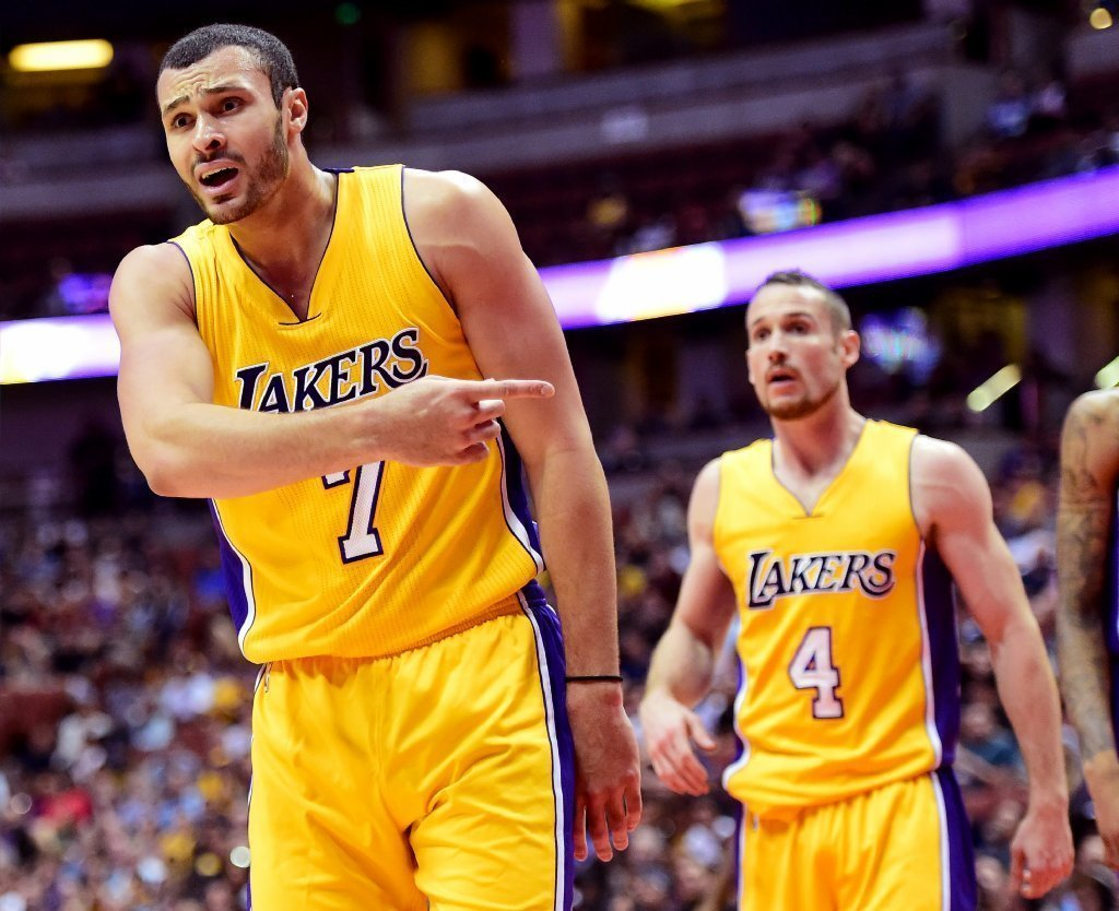 La-sp-lakers-report-20161108