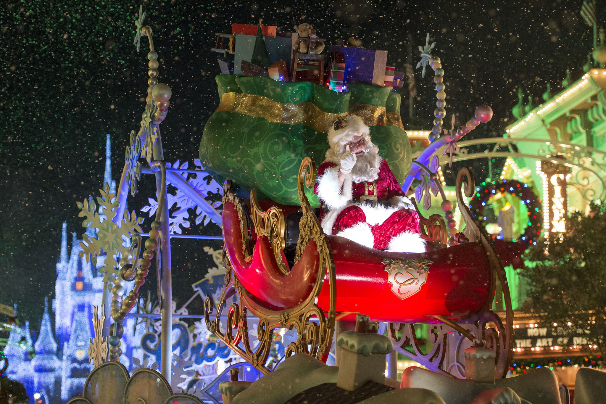 taking the kids to mickeys very merry christmas party orlando sentinel - Mickeys Christmas