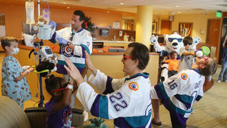 Solar Bears players and kids at Florida Hospital take on the Mannequin Challenge