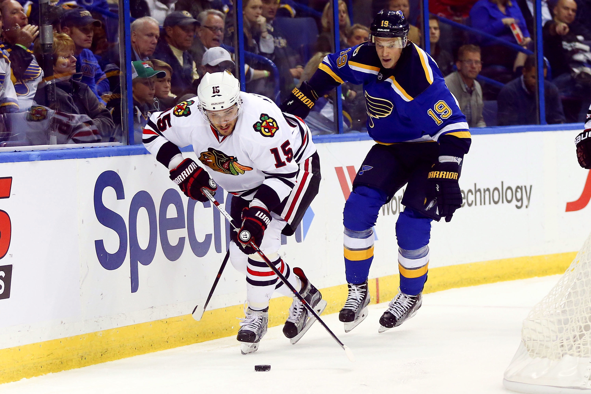 artem anisimov questionable to play in blackhawks 39 next two games. Black Bedroom Furniture Sets. Home Design Ideas