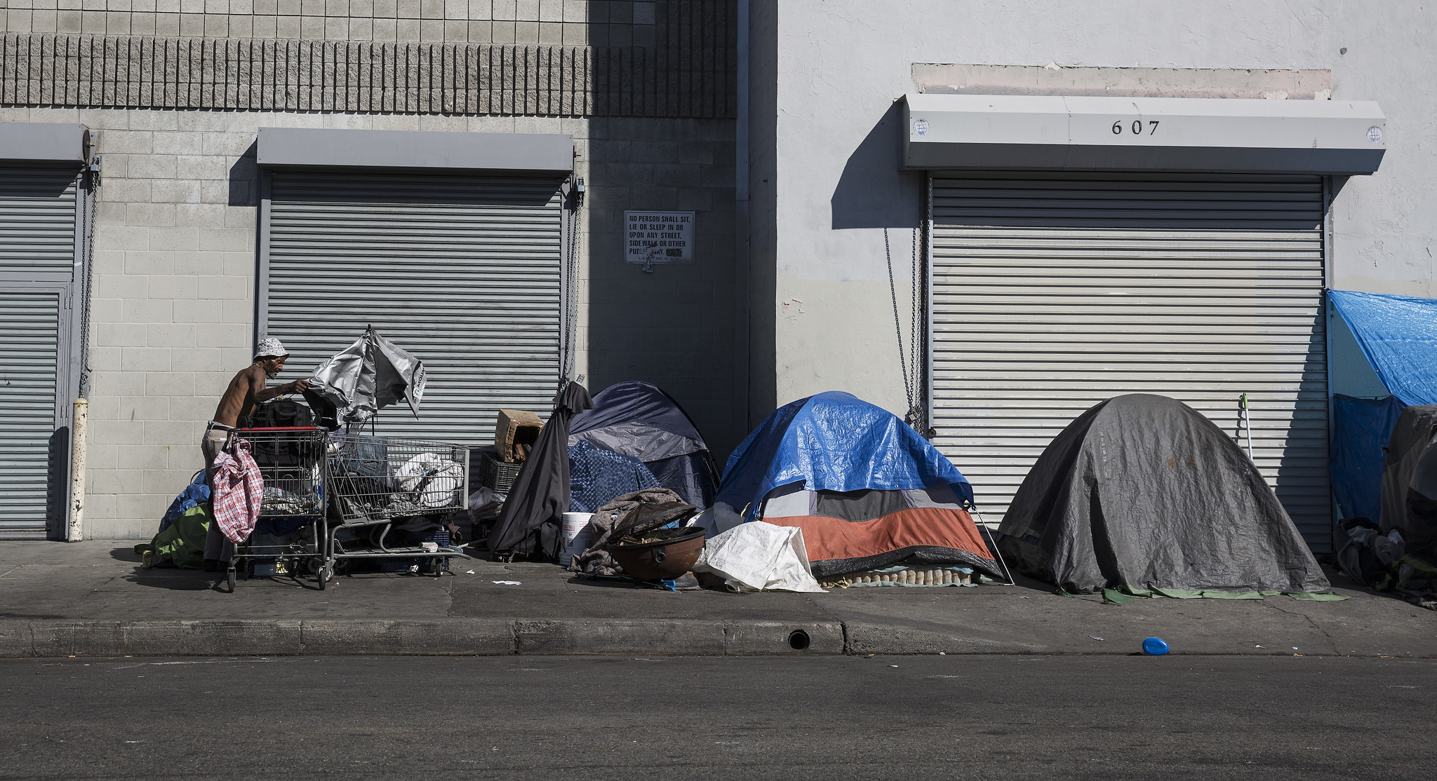 Report on l a city homelessness plan gives a sobering for Los angeles homeless shelter