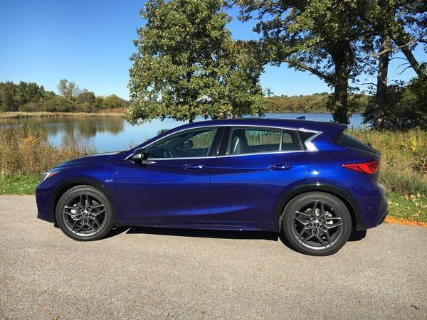 enter the hatchover 2017 infiniti qx30 sport is more hatchback than crossover chicago tribune. Black Bedroom Furniture Sets. Home Design Ideas