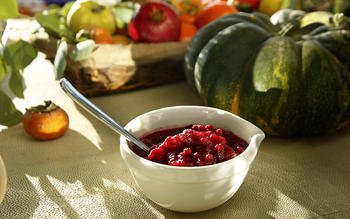 Cranberry sauce with apple flavors