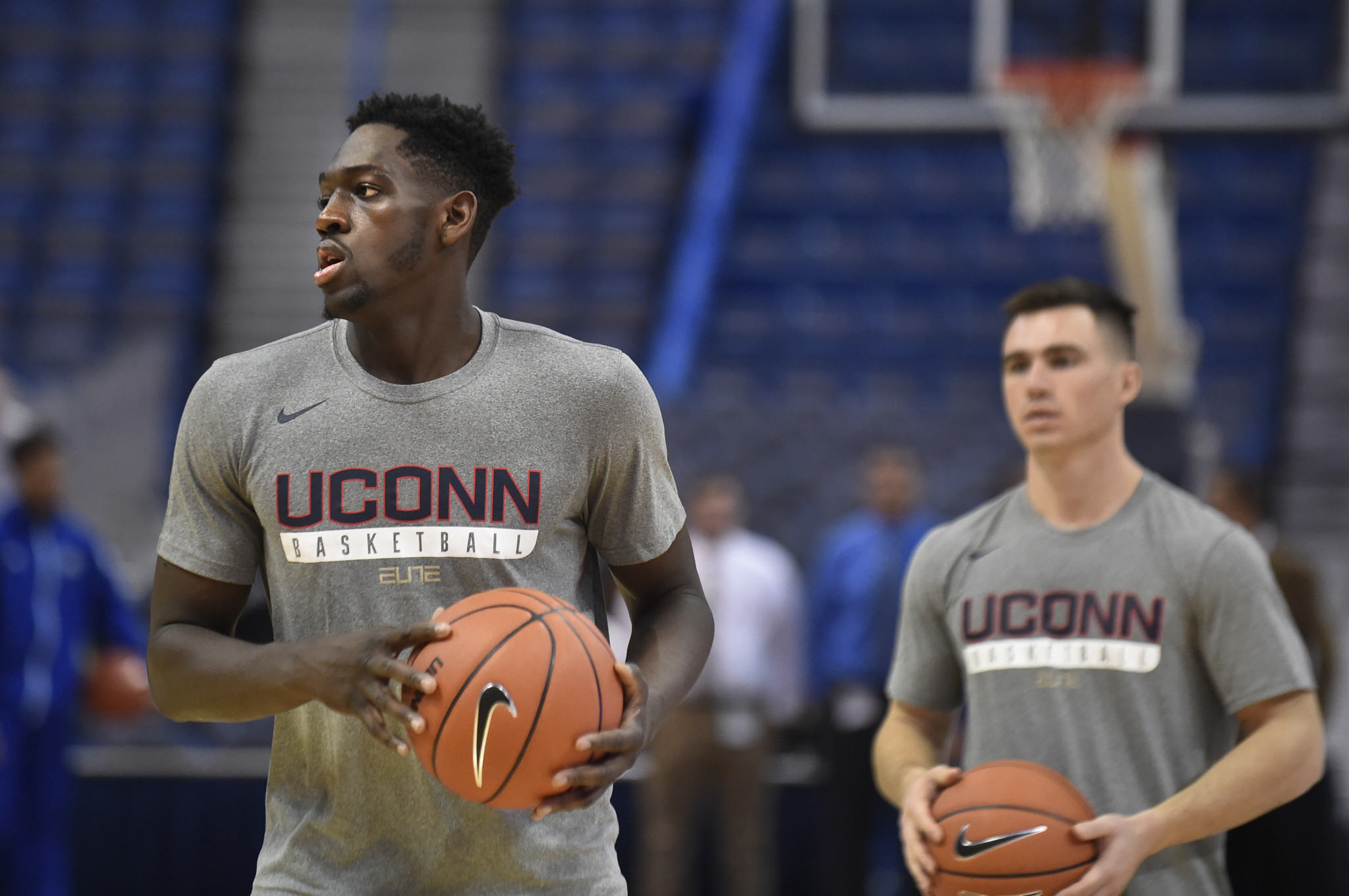 Diarra Sits, Leaving UConn Hurting On Boards - Hartford Courant