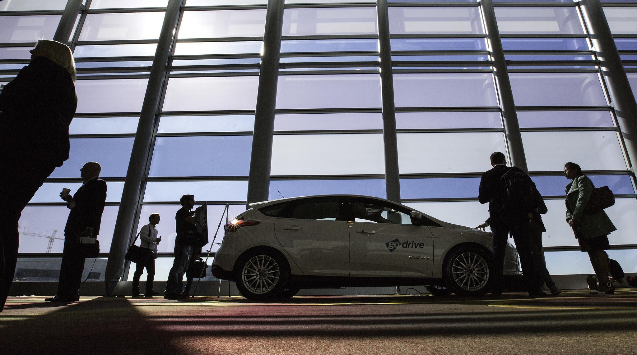 Jaguar I-PACE Concept: Jaguar Reveals its First Electric SUV