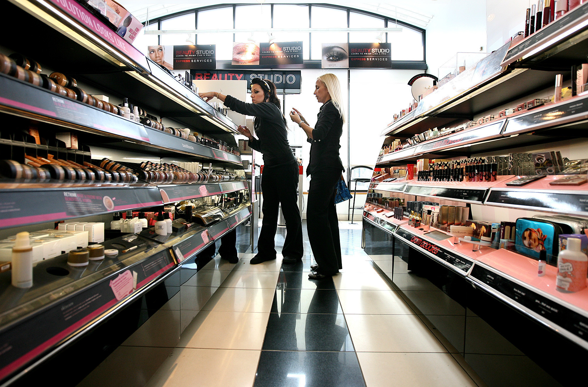 Estee Lauder eyes younger customers with $1.45-billion purchase of Too Faced
