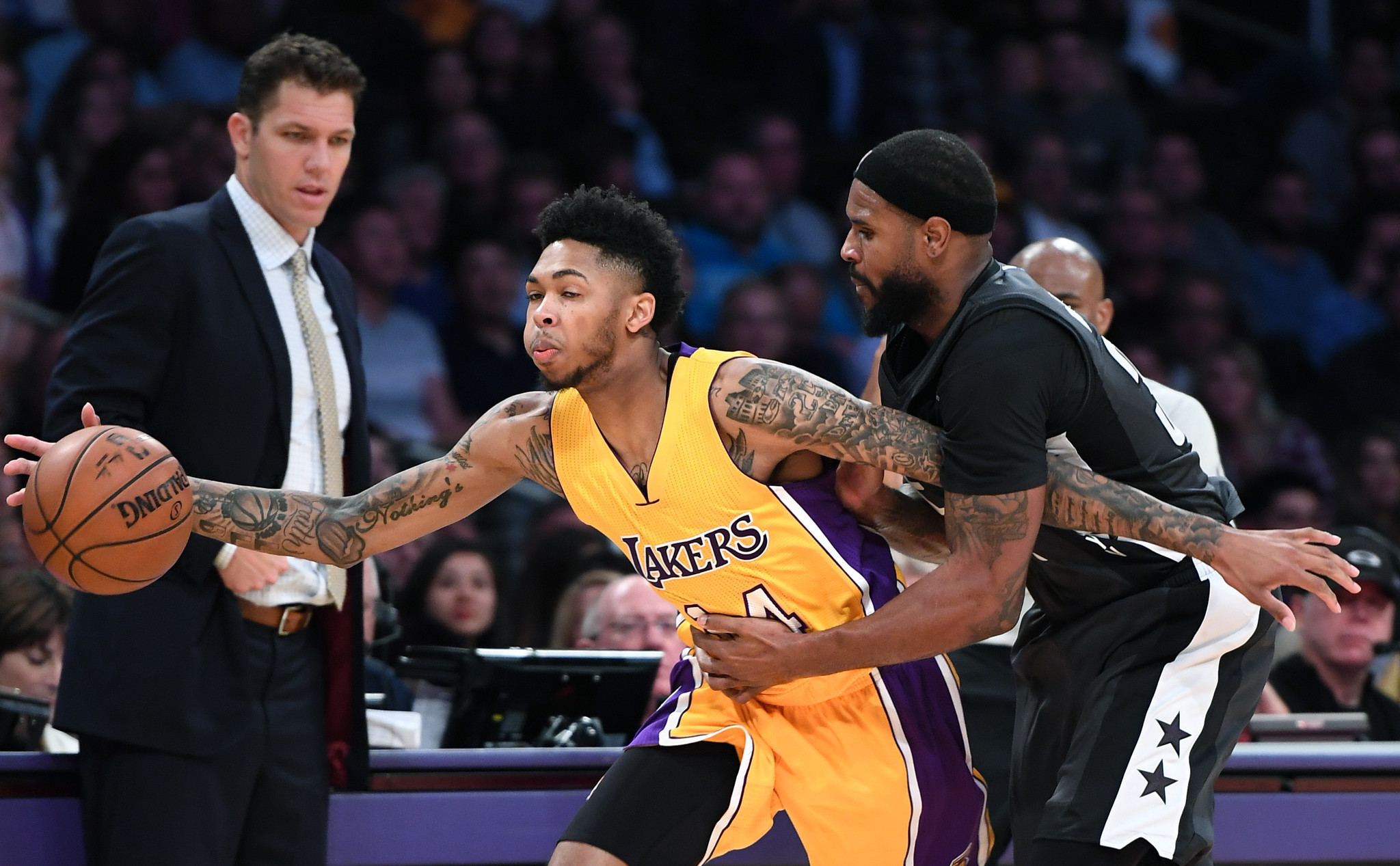 Lakers Rely On Randle  Russell To Hold Off Nets