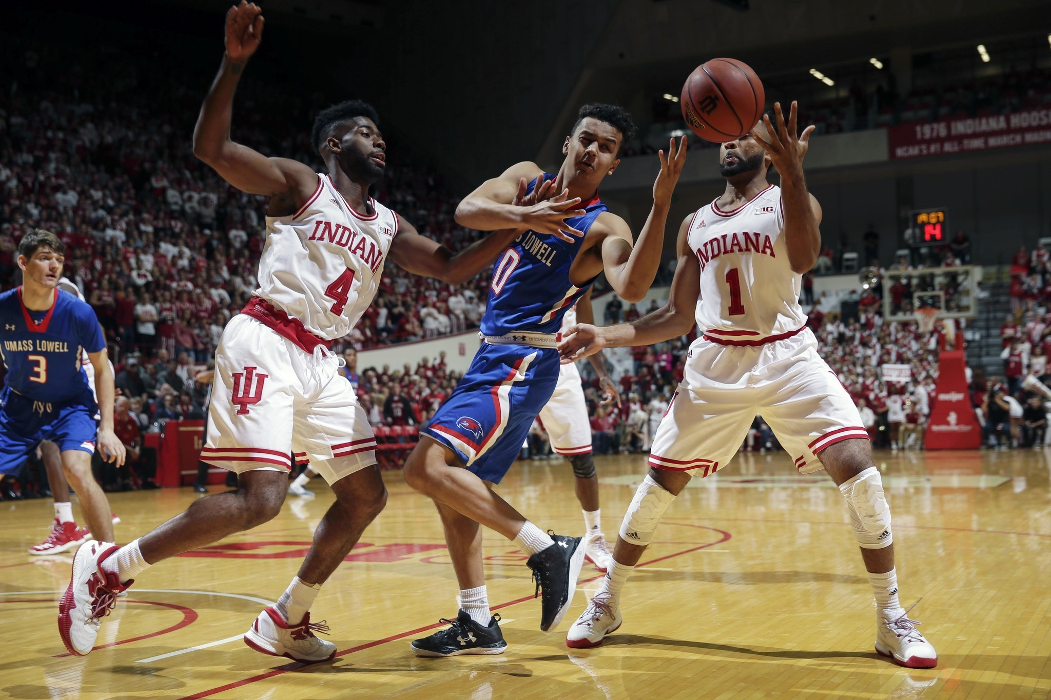 6 indiana blows out umass lowell notre dame routs seattle chicago tribune