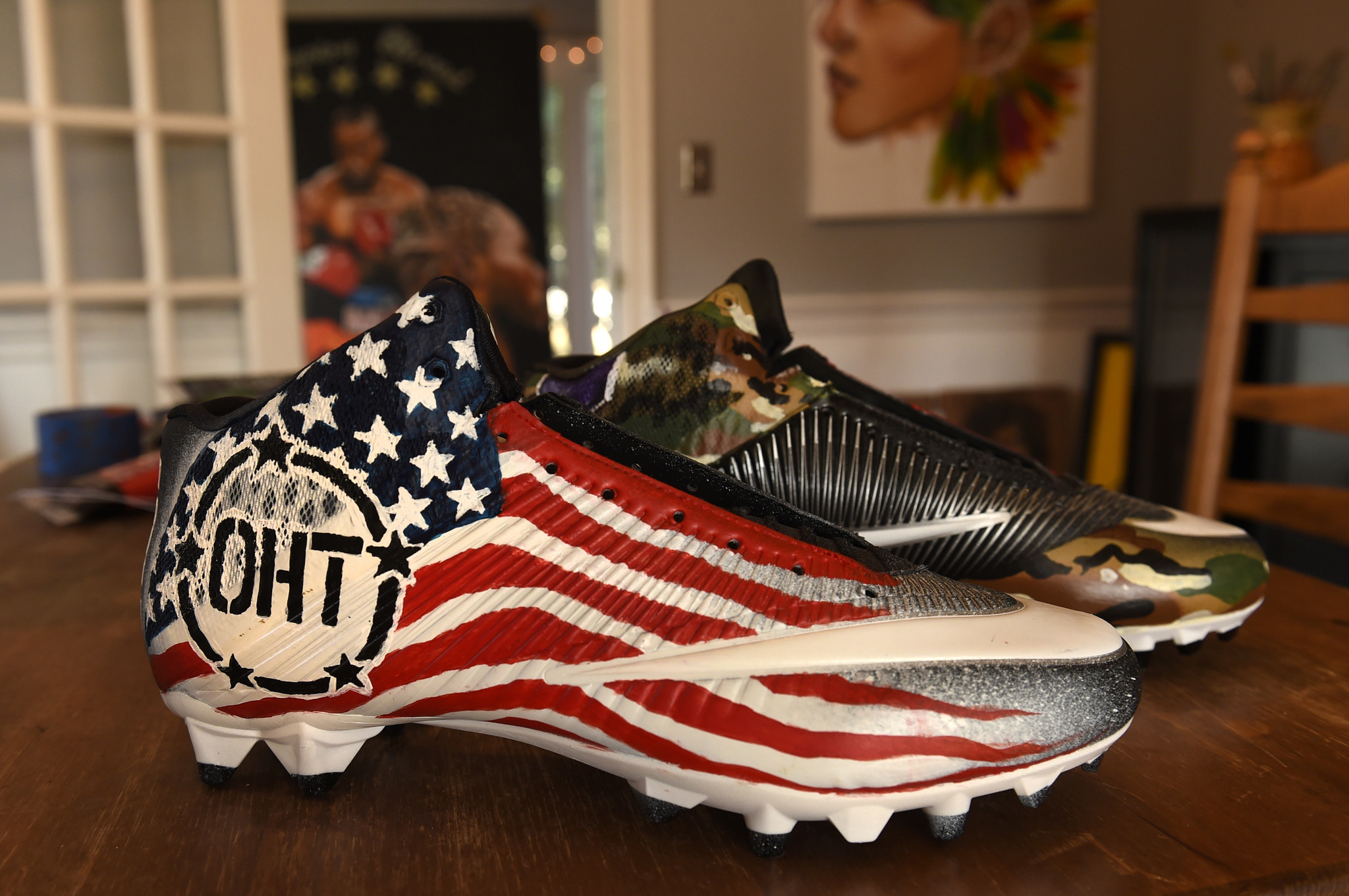 West Hartford Artist Creates Custom Cleats For NFL Players - Courant ...