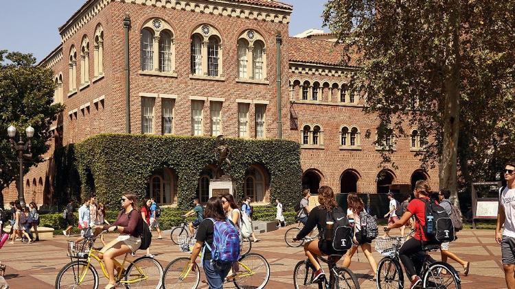 USC is hitting its $6-billion fundraising goal ahead of schedule and will continue its campaign for five more years. (Al Seib / Los Angeles Times)