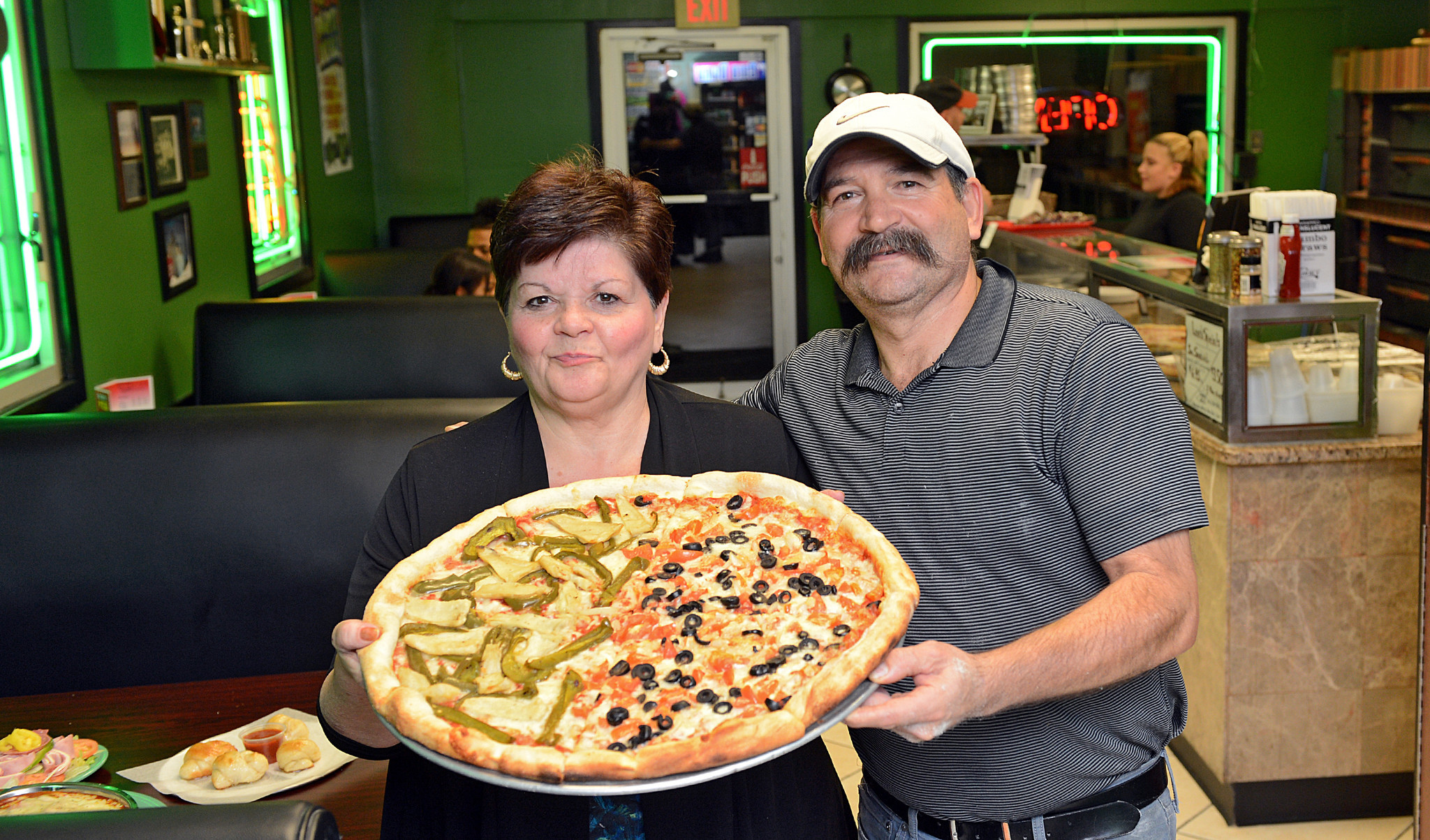 couple opens valley s second drake s pizza where they once couple opens valley s second drake s pizza where they once operated el greco s in bethlehem the morning call