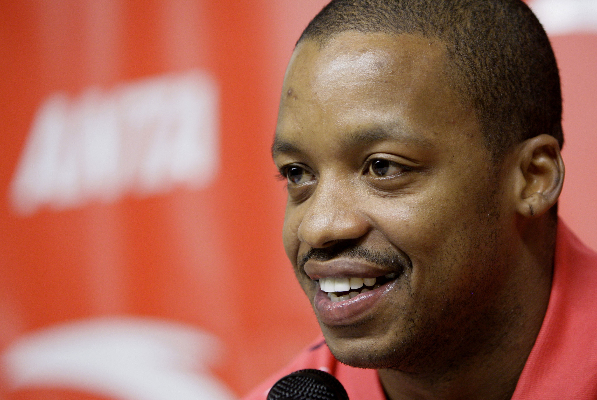 Former NBA All Star Steve Francis charged with threatening officer
