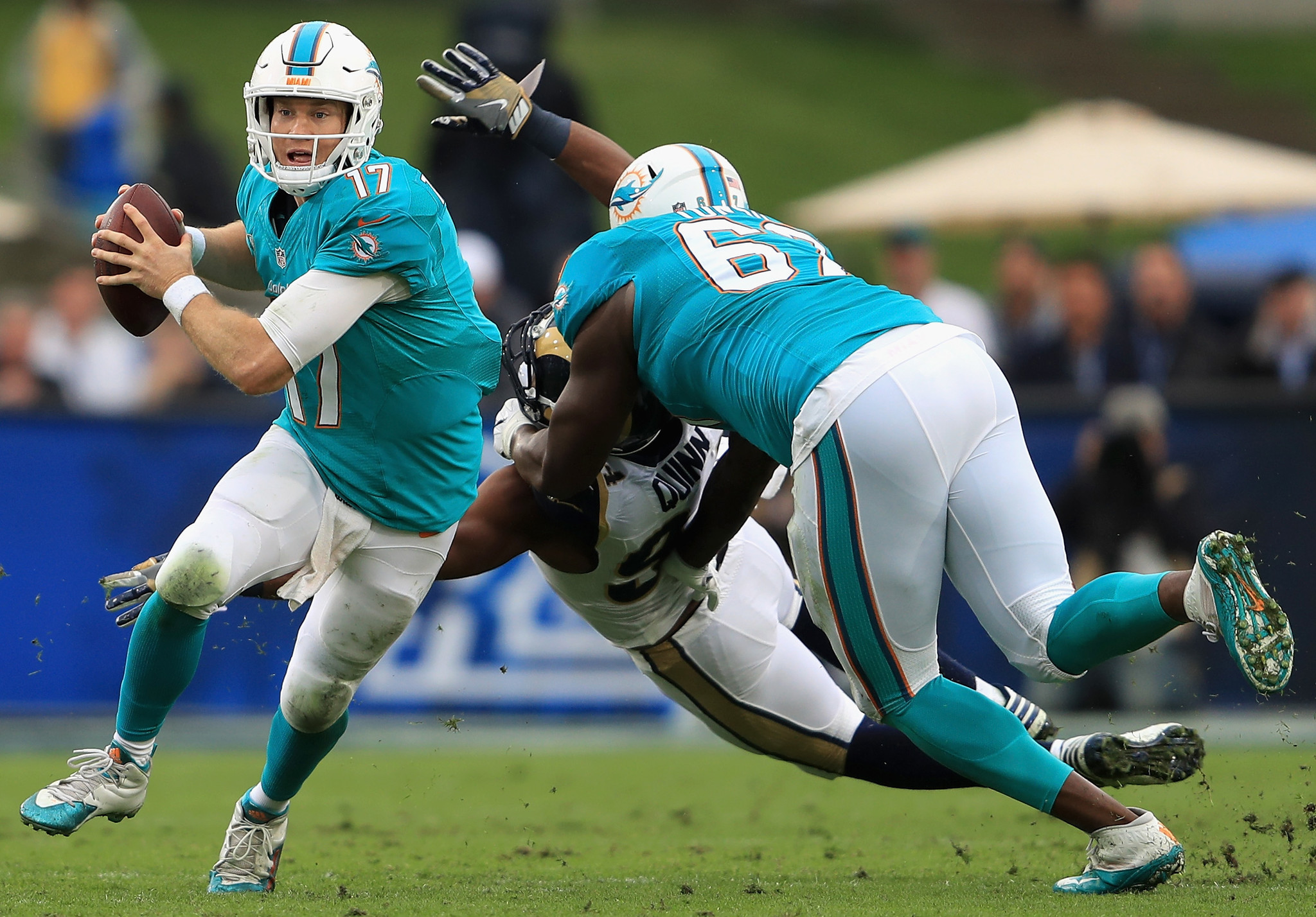 Dolphins Laremy Tunsil participates in third straight practice
