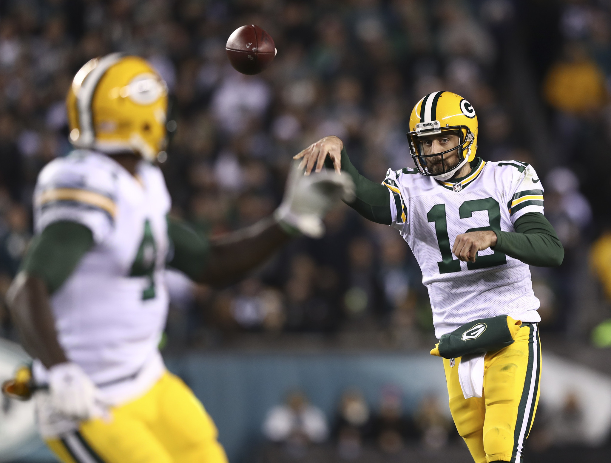 Aaron Rodgers Two TD Passes Leads Packers Over The Eagles 27 13