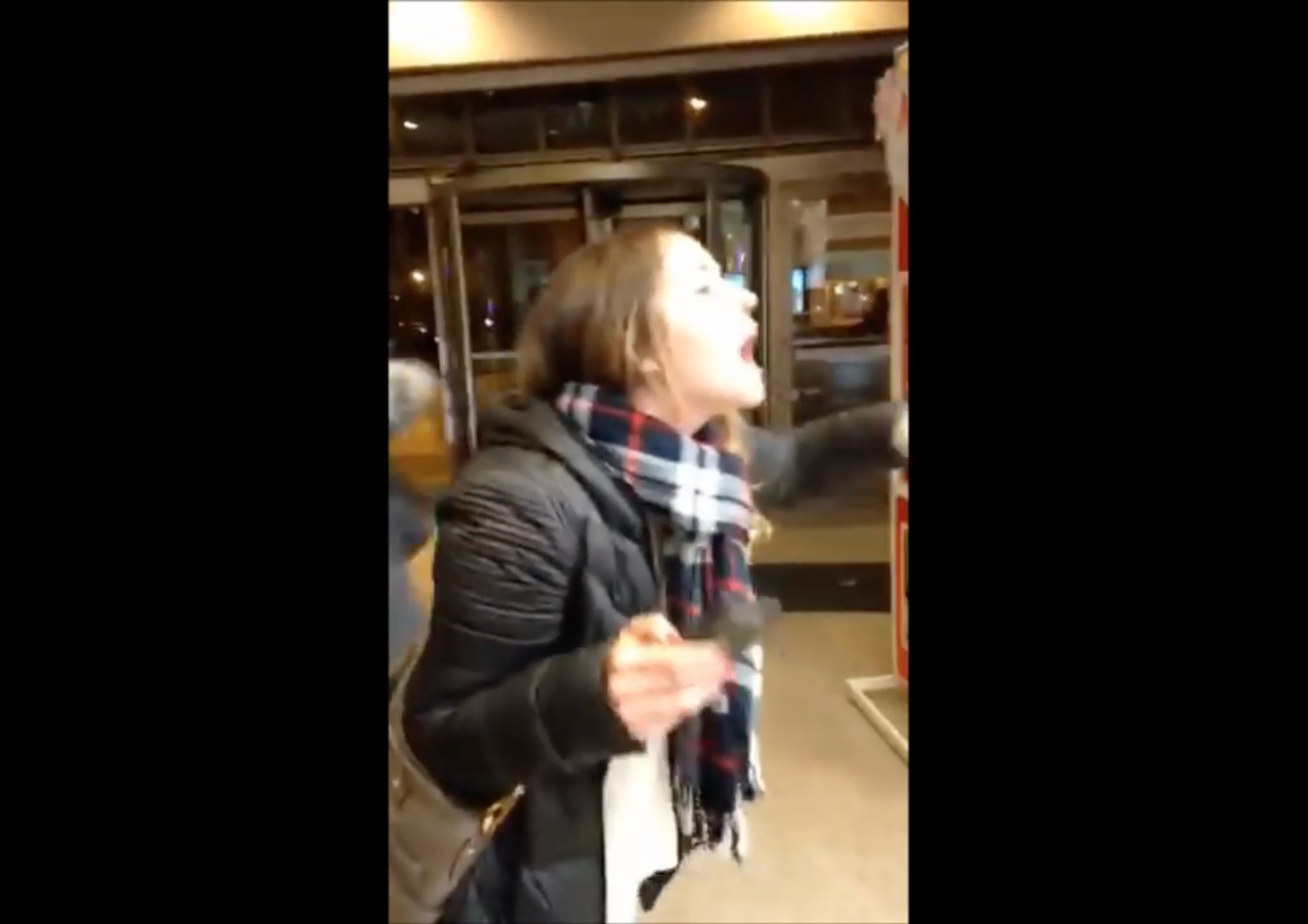 Woman berates michaels employees claims discrimination for Michaels chicago woman