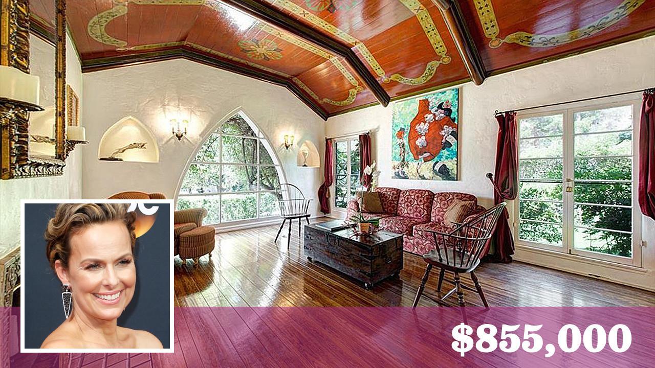 39 office 39 alum melora hardin sells her charming spanish for Glendale house