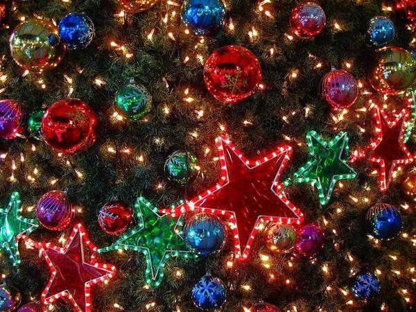 Town expecting no holiday lights now has a glimmer of hope