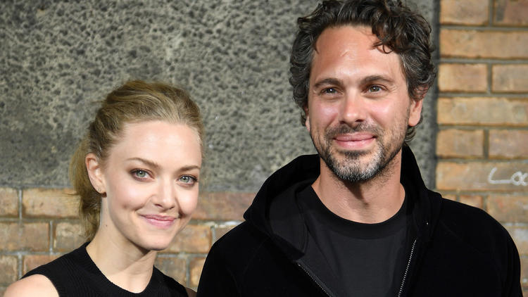 Amanda Seyfried and Thomas Sadoski are going to be parents. (Pascal Le Segretain / Getty Images)