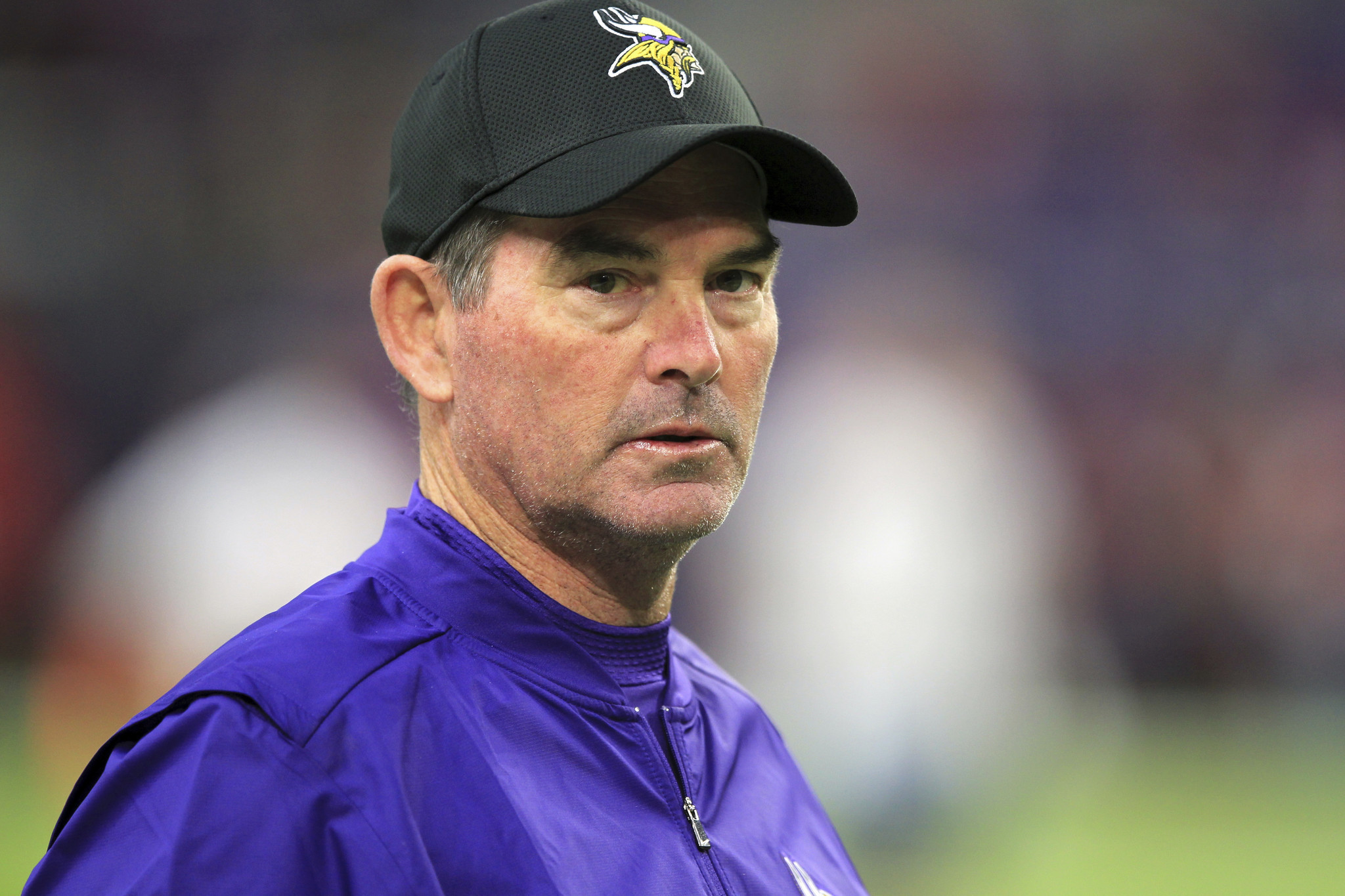 Vikings Coach Mike Zimmer Out Vs Cowboys After Emergency Eye Surgery
