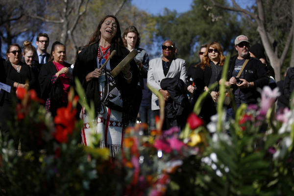 About 200 gather to remember L.A.'s unclaimed dead