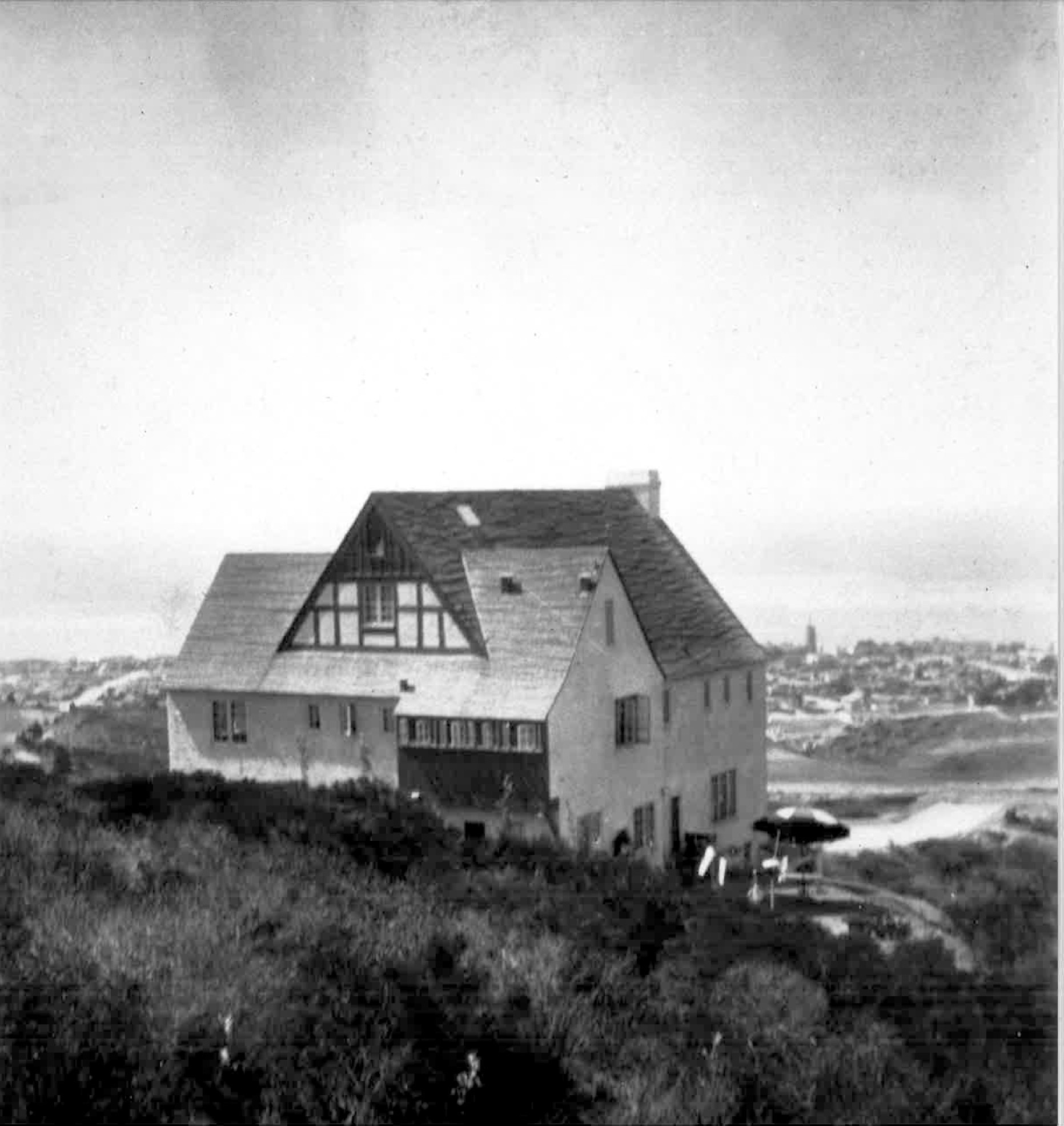 In 1929, Dewhurst & Associates built their first home in La Jolla. still standing today.