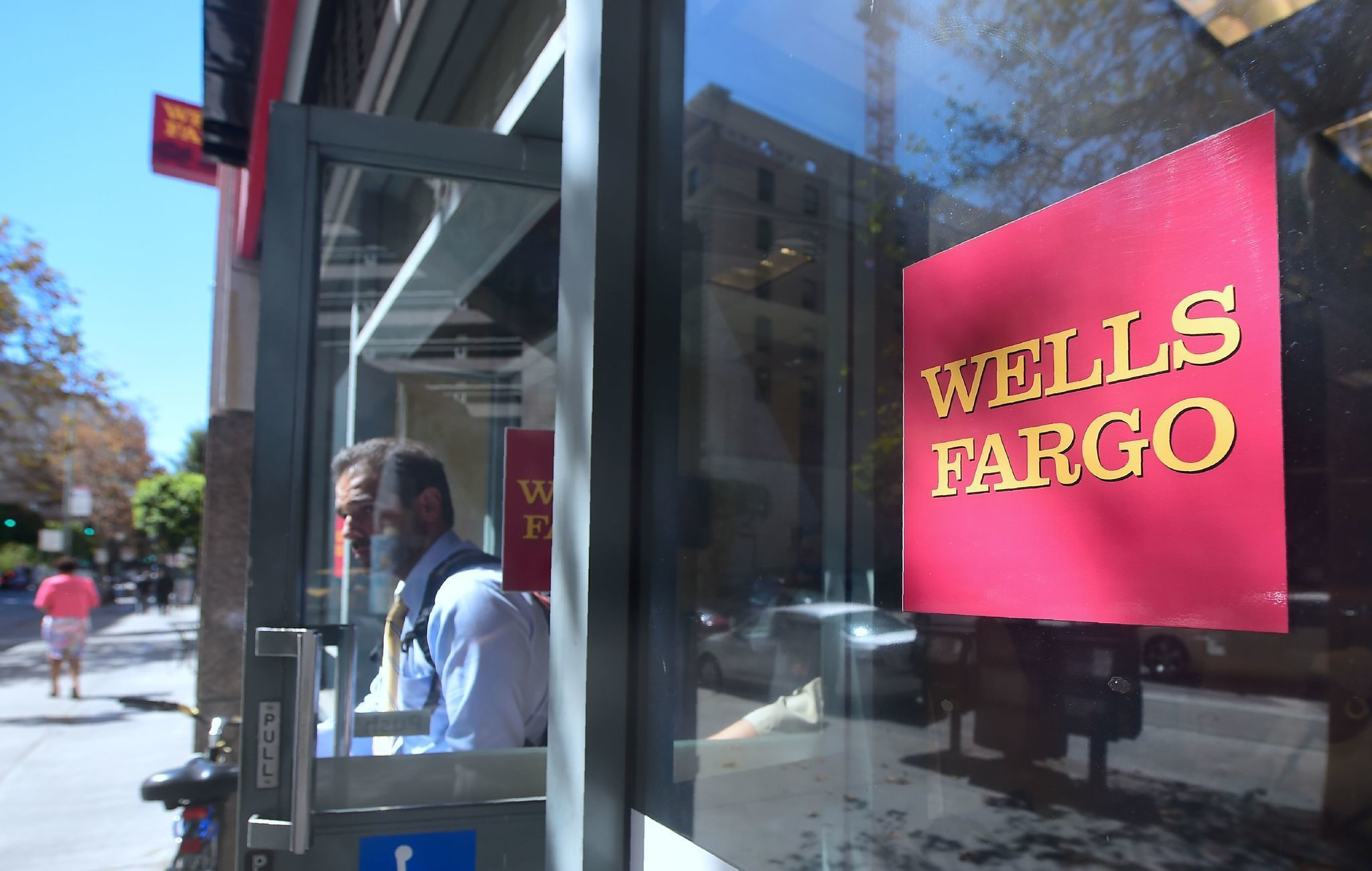 Wells Fargo customers harmed by fake accounts would get to sue under proposed legislation