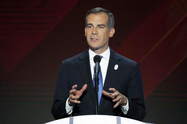 Eric Garcetti is walking on a political tightrope as he looks to work with Trump