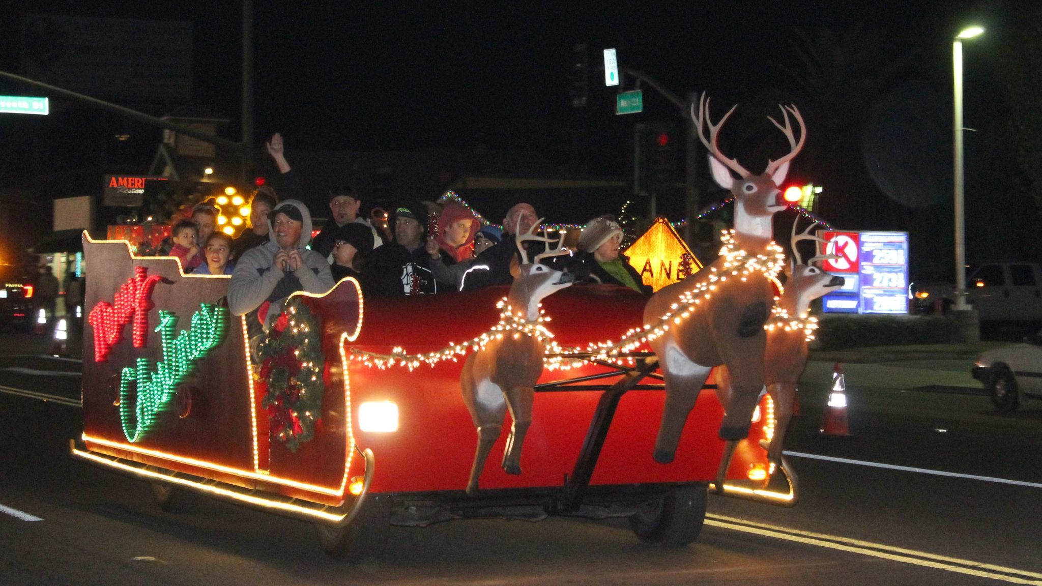 Judy and Bill Bryant provide free sleigh rides through Old Town Ramona.