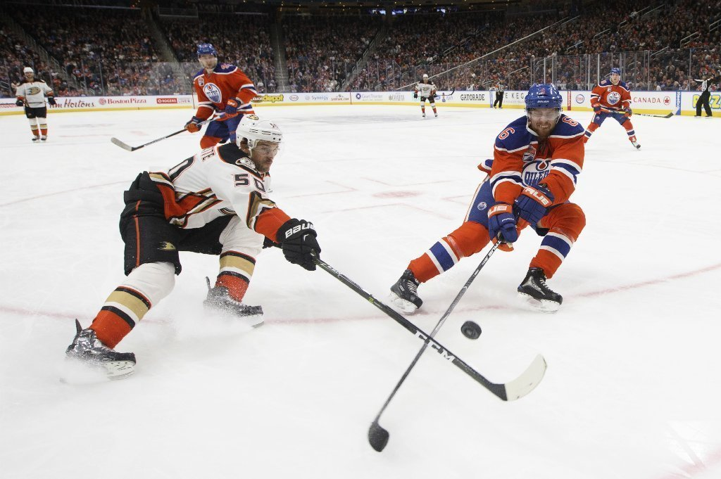 La-sp-ducks-oilers-20161203