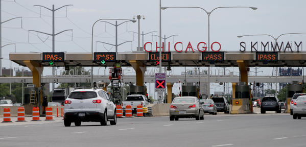 Man killed in wrong-way Chicago Skyway crash