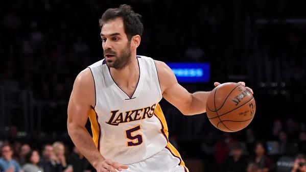 Lakers' Jose Calderon out two to four weeks; D'Angelo Russell to be evaluated Tuesday