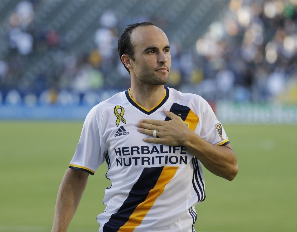 Landon Donovan >> Landon Donovan Retires From Major League Soccer Again La Times