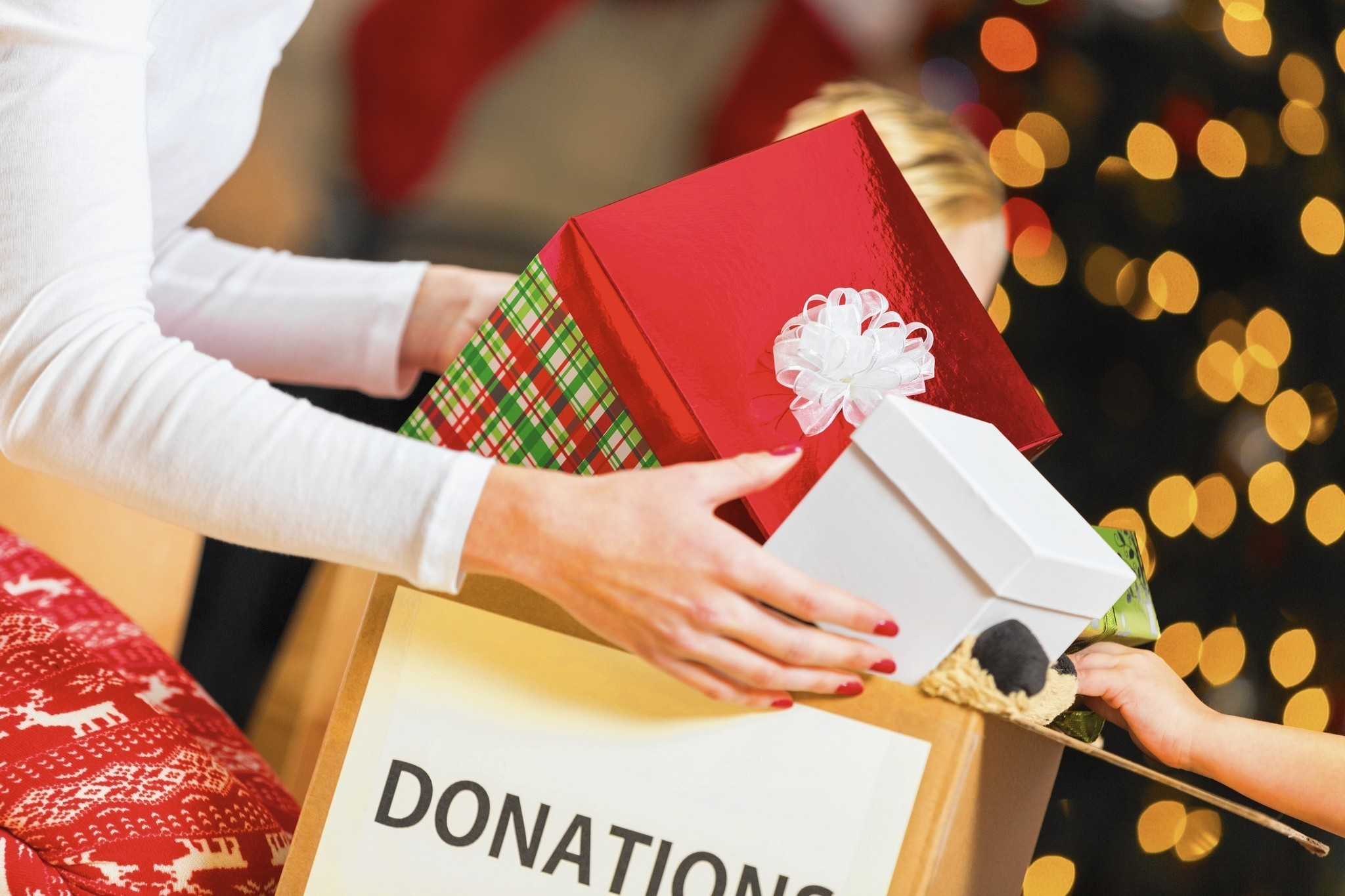 How to tell someone you\'d prefer not to do gifts this year - Chicago ...