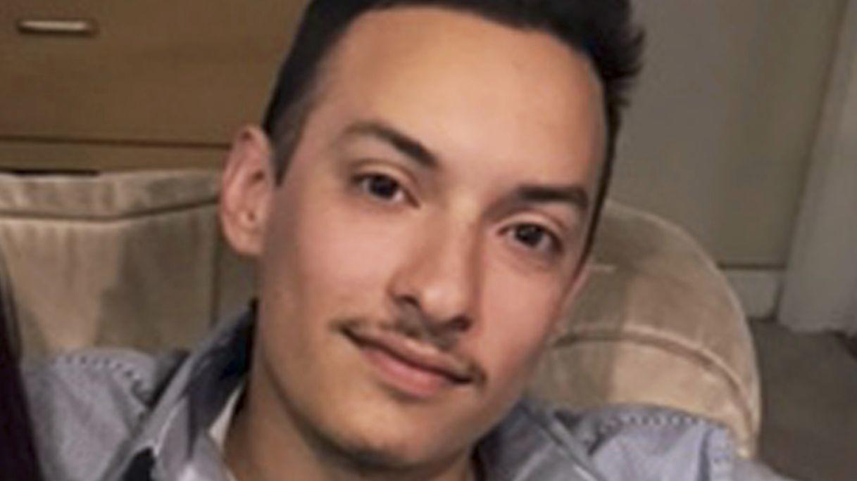 Alex Vega, 22.