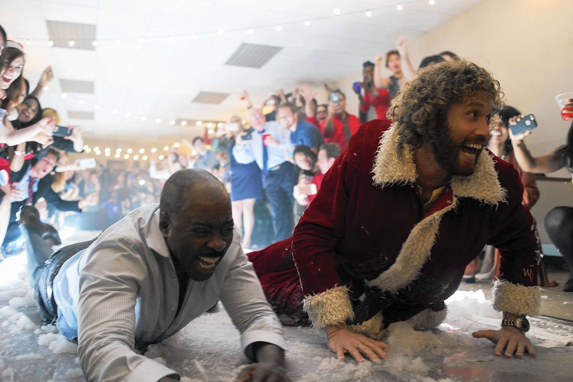 Office Christmas Party\' review: T.J. Miller, Kate McKinnon bring ...