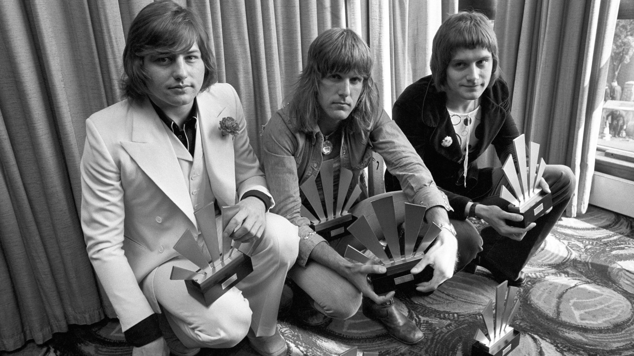 emerson lake and palmer co founder greg lake dies at 69 la times. Black Bedroom Furniture Sets. Home Design Ideas
