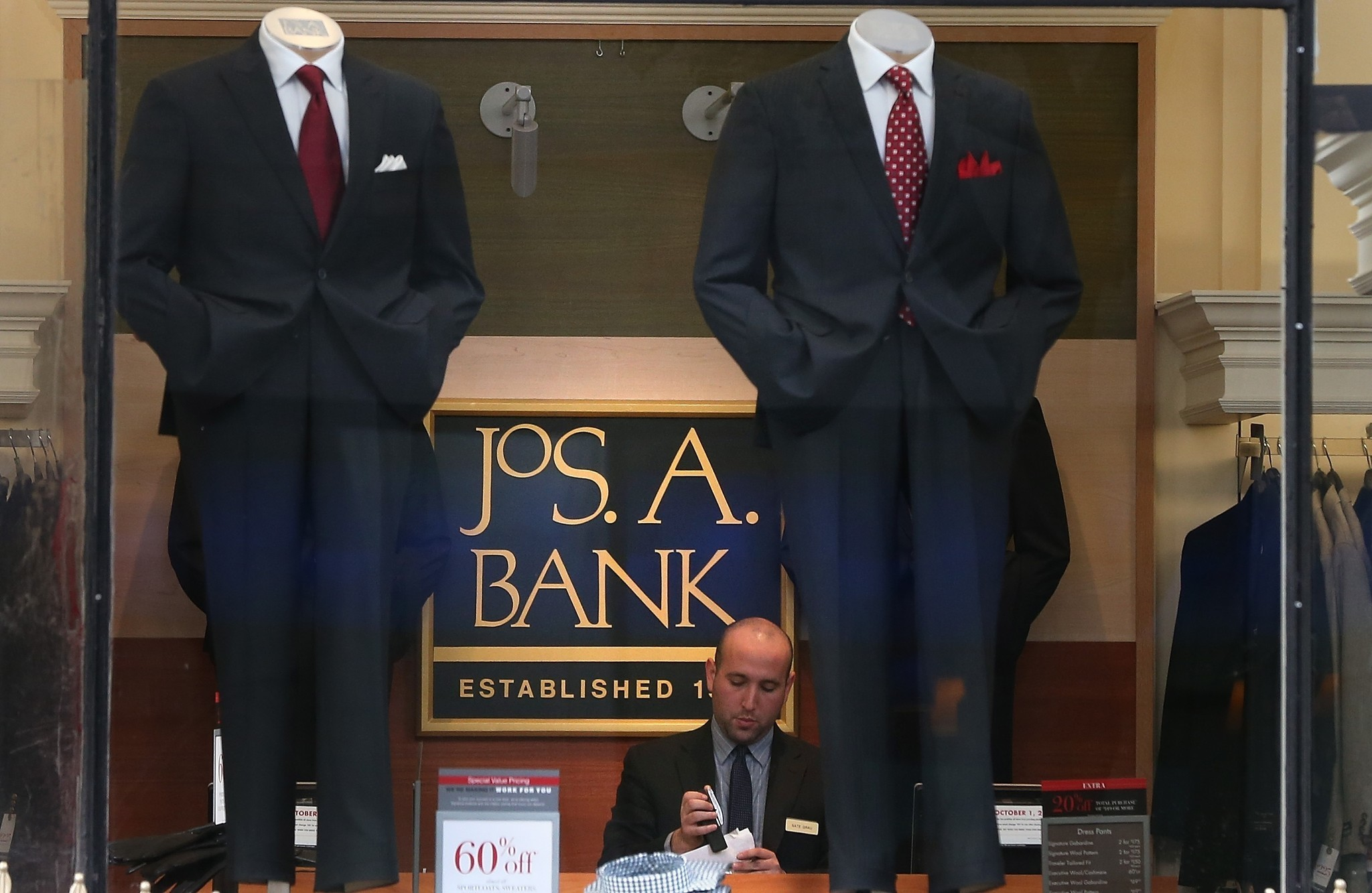 Jos. A. Bank finds footing after scrapping 3-for-1 suit ... Joseph A Bank