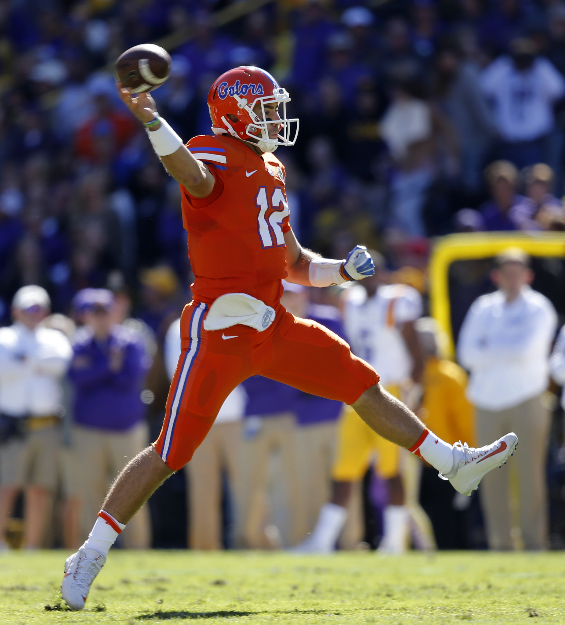 Os-gators-start-austin-appleby-quarterback-outback-bowl-20161208