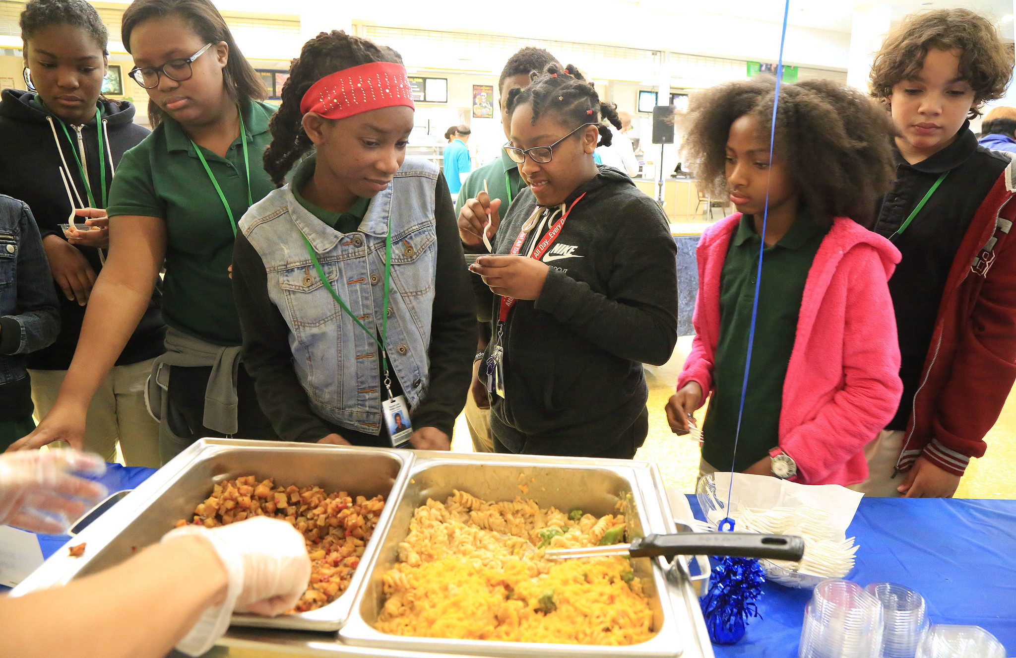 broward tests new menu options to get students to eat
