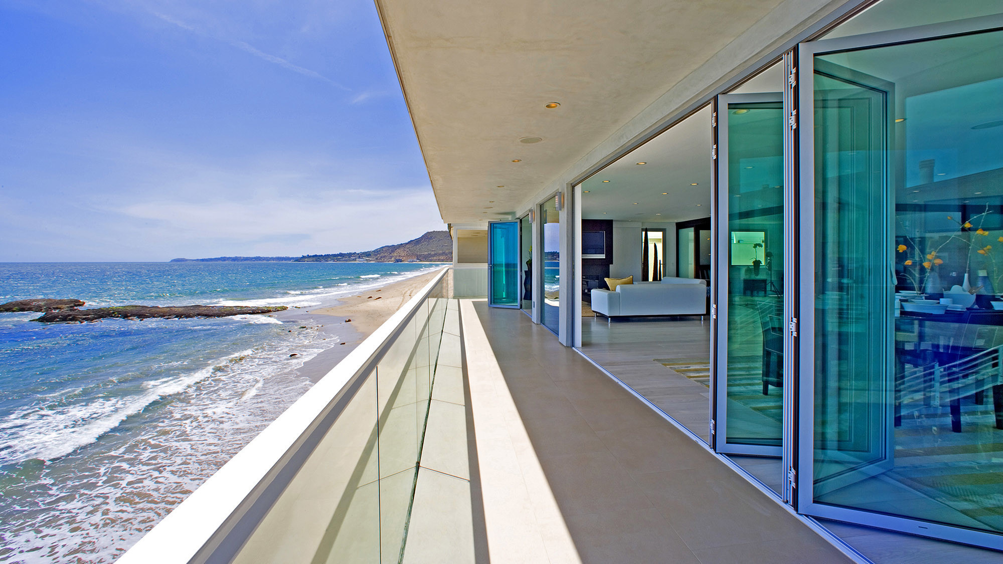 Disappearing Glass Walls Create Magic For Highend Homes LA Times - Home california retractable walls