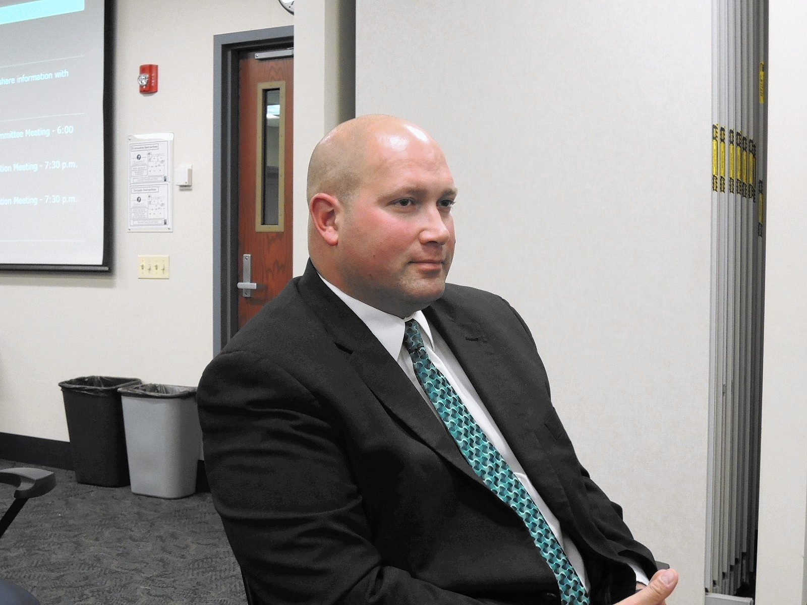 Elmhurst District 205 Hires Assistant From Lincoln Way