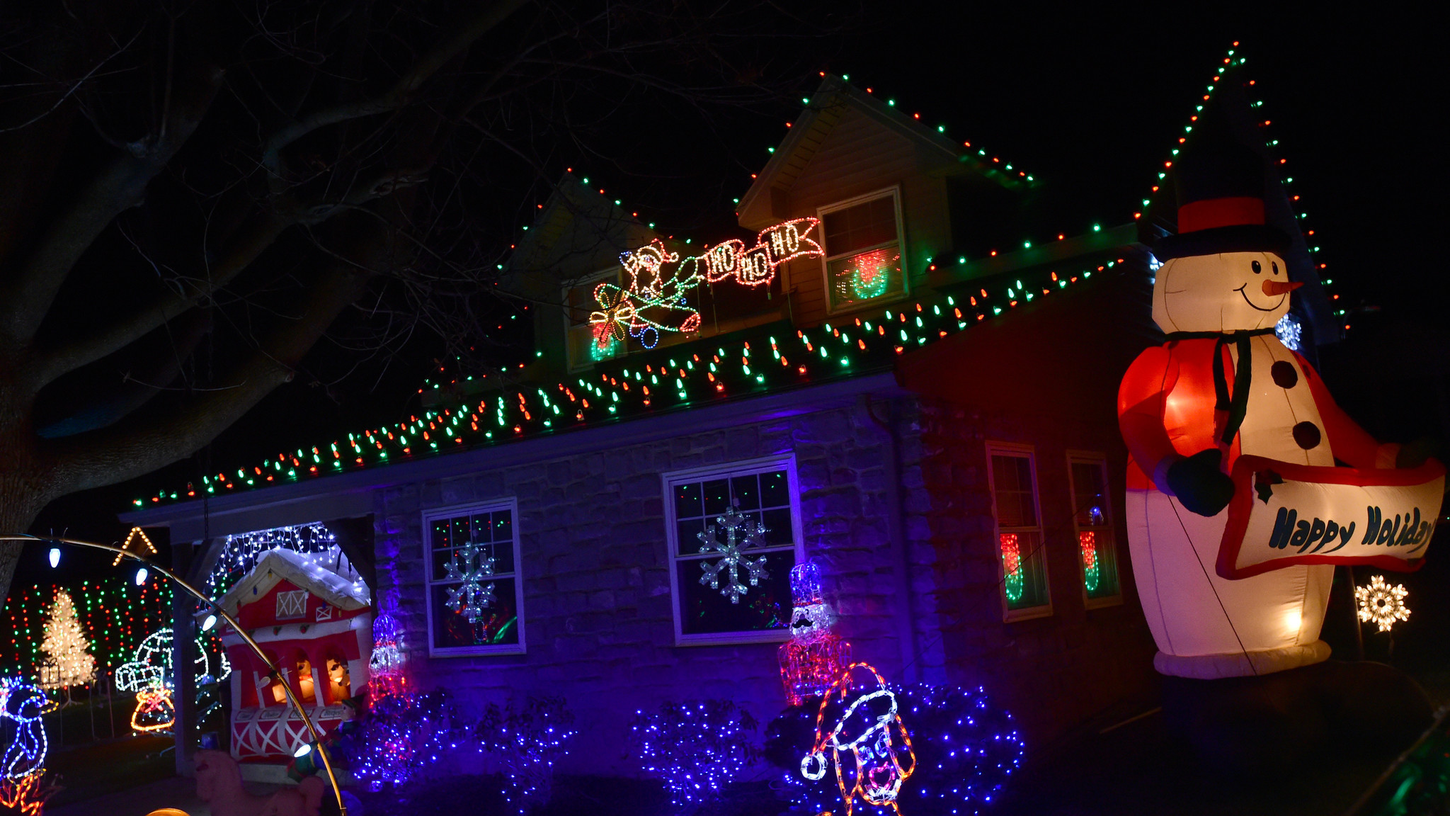 bill whites christmas lights yoccos cheese dog tour the morning call