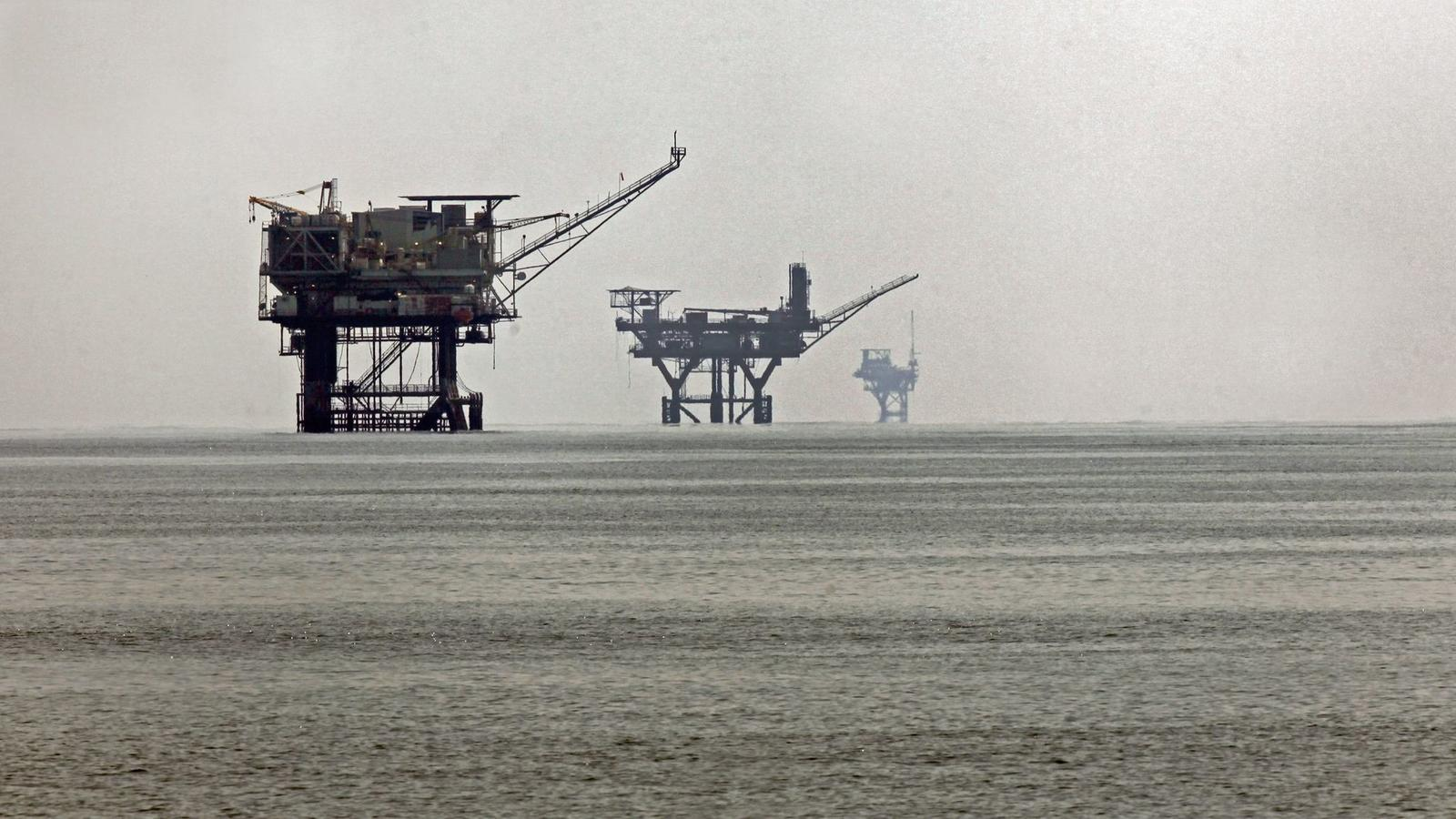 Oil rigs in the Gulf of Mexico in 2010. (Los Angeles Times)
